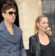 Pictures of Kate Moss and Jamie Hince Holding Hands After Louis Vuitton Paris Fashion Week Show