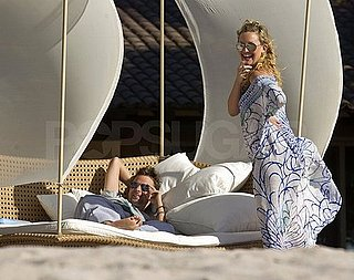 Photos of Pregnant Kate Hudson, Matthew Bellamy and Ryder Robinson in Mexico on Holiday