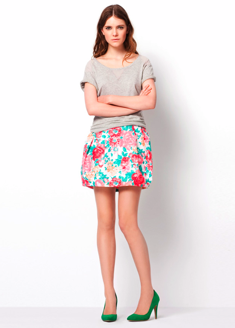 Short-Sleeve Sweatshirt ($30) Floral Print Skirt ($40) Basic Court Shoe ($50)