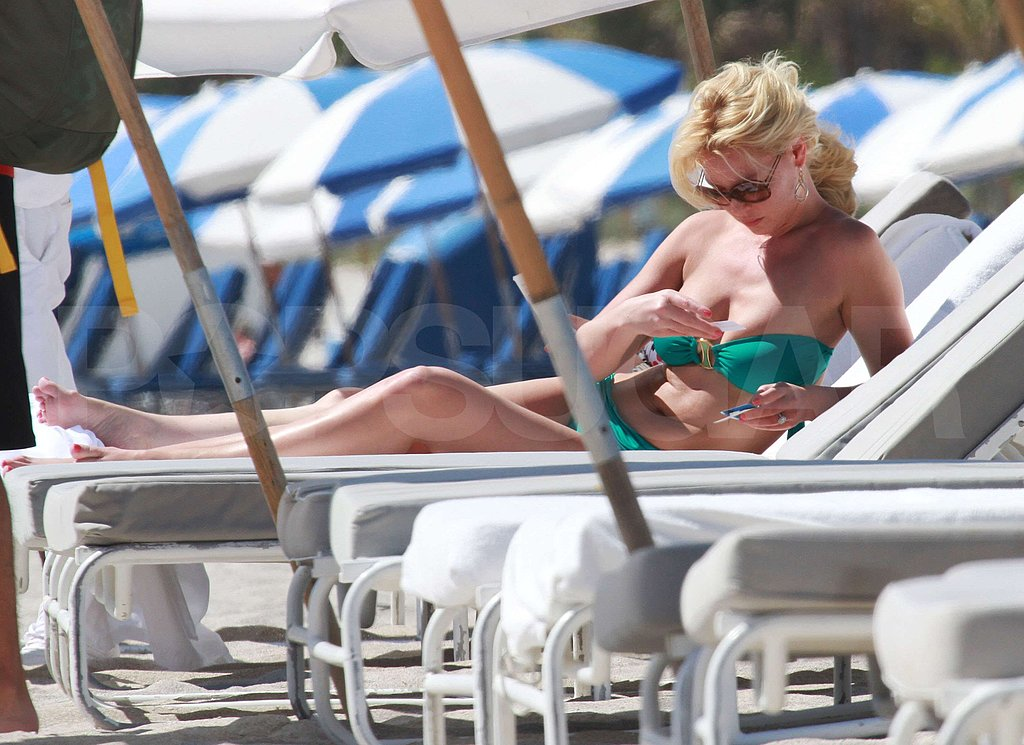 Katherine Heigl Avoids Tan Lines in a Green Bikini