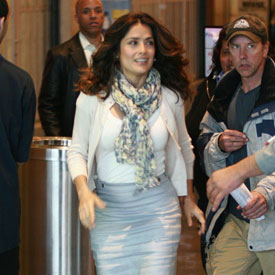 Pictures of Salma Hayek Filming Here Comes the Boom 2011-04-11 14:01:11