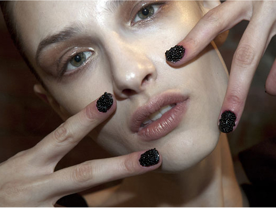How to: Receate Cushnie et Ochs' NYFW Caviar Nails at Home!