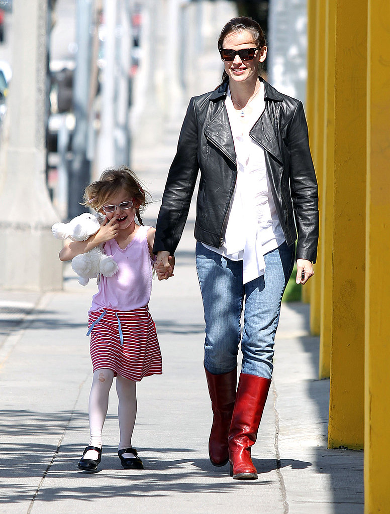 Jennifer Garner Busts Out Her Red Boots to Spend Time With Violet