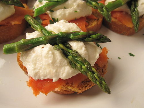 Asparagus Crostini With Smoked Salmon