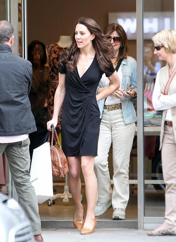 Kate Middleton Shops Around London Following a Lunch For Her Family Hosted by the Queen!