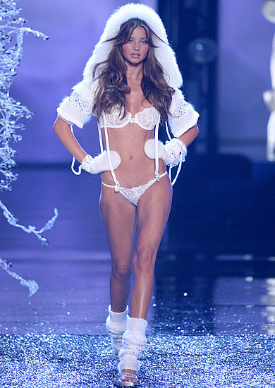 Miranda Kerr was decked out in white for the 2006 Victoria's Secret Fashion Show.