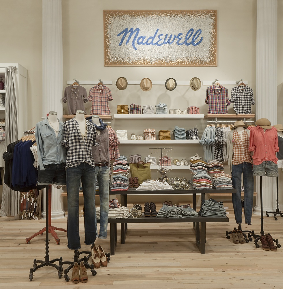That Madewell sign is made out of pushpins — so cool!