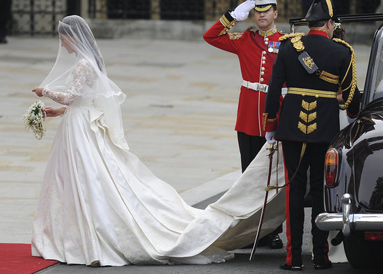Kate Middleton Wears Custom Alexander McQueen Wedding Dress!