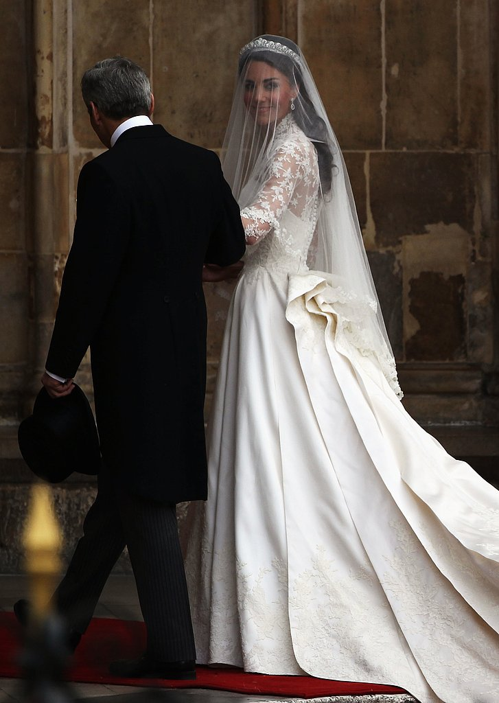 Princess Bride: Kate Middleton Arrives in Alexander McQueen!