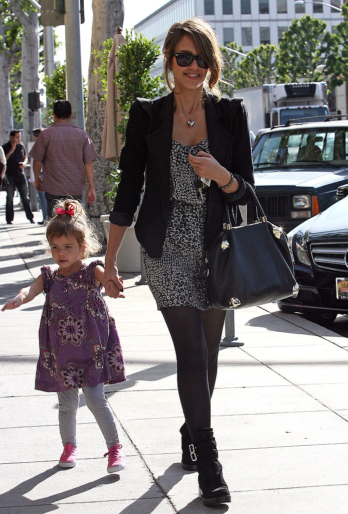 20 Stylish Celebrity Moms