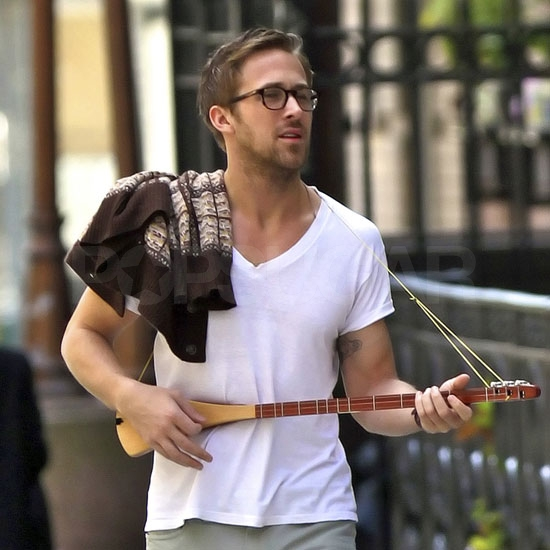 Ryan Gosling Jazzes Up a Spring Stroll With His Trusty Three-String Guitar