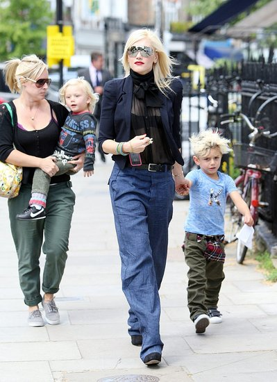 Gwen and Gavin Stroll With Kingston and Zuma Following an AM Workout