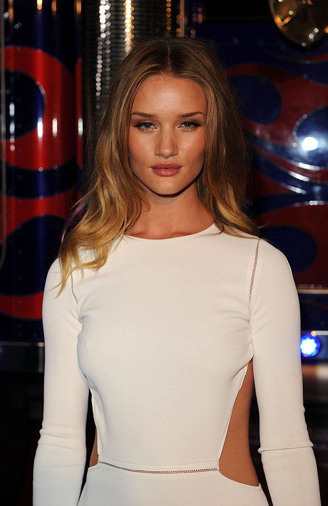 Rosie Huntington-Whiteley in White Hot Outfit