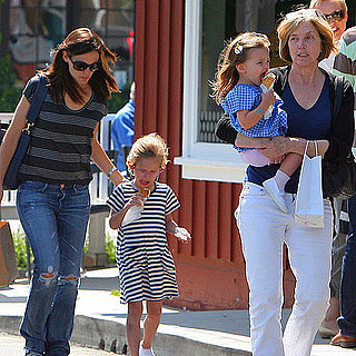 Jennifer Garner Takes Seraphina and Violet Affleck For Ice Cream in Brentwood