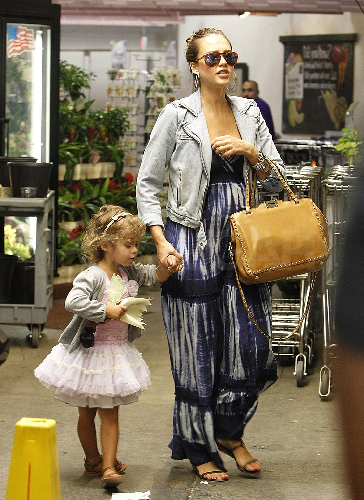 Jessica Alba and Honor Stock Up on Treats For Memorial Day Weekend