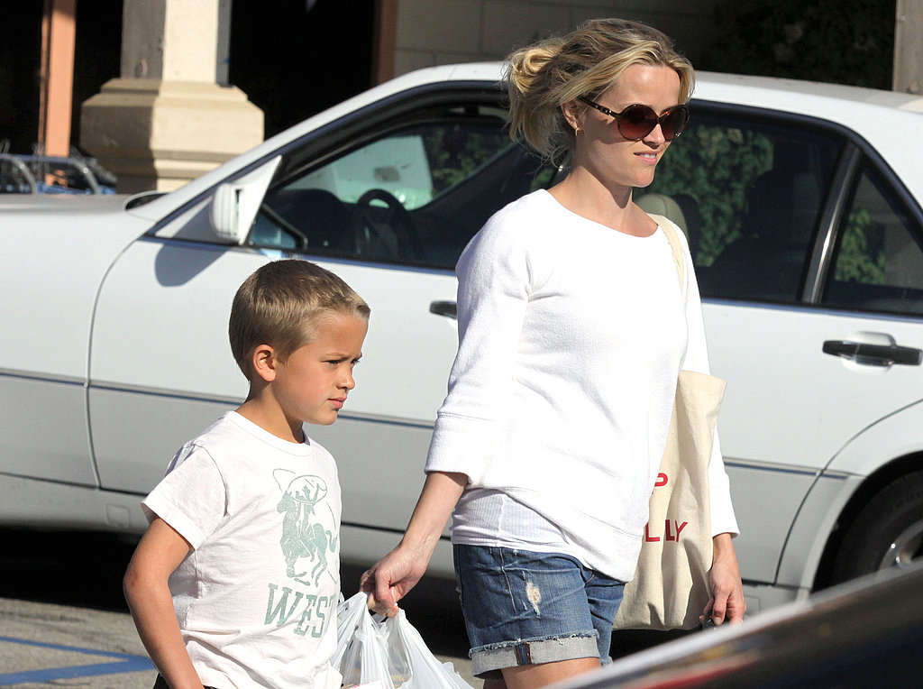 Reese Witherspoon Happily Spends a Long Weekend With Deacon