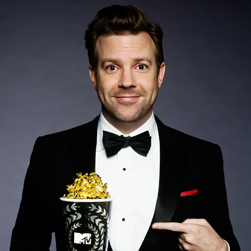 Jason Sudeikis as MTV Movie Awards Host Reviews