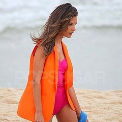 -piece Swimsuit  Find the Latest News and Tips on One-piece Swimsuit