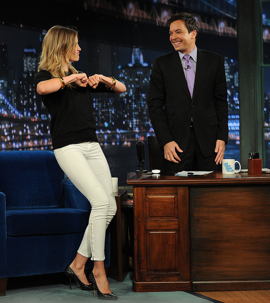 Cameron Diaz schooled Jimmy Fallon on some dance moves.