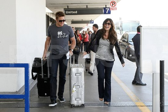 Pregnant Lindsay Price with boyfriend Curtis Stone.