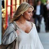 Jessica Simpson's blond hair looked fabulous at dusk.