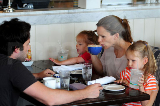Ben and Jennifer Treat Their Girls to a Weekend Meal by the Beach