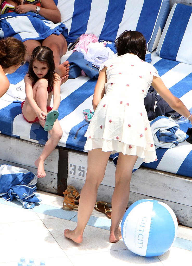 Suri Cruise and Katie Holmes in Miami.
