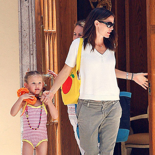 Jennifer Garner and Violet Affleck Swim Pictures