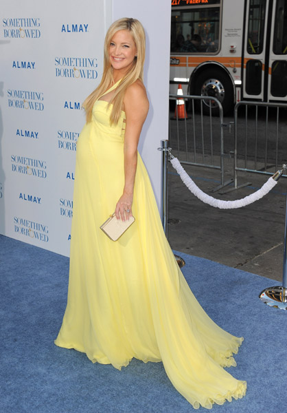 The next night, Kate Hudson was a vision of her How to Lose a Guy in 10 Days self in a bright yellow gown at the Something Borrowed premier.