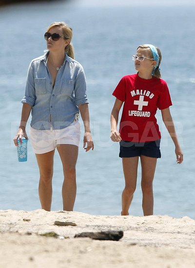 Reese Witherspoon Hits the Beach For a Family-Filled Fourth of July