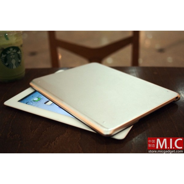 An iPad 2 Case For Laptop Fans: the M.I.C. Buddy Case