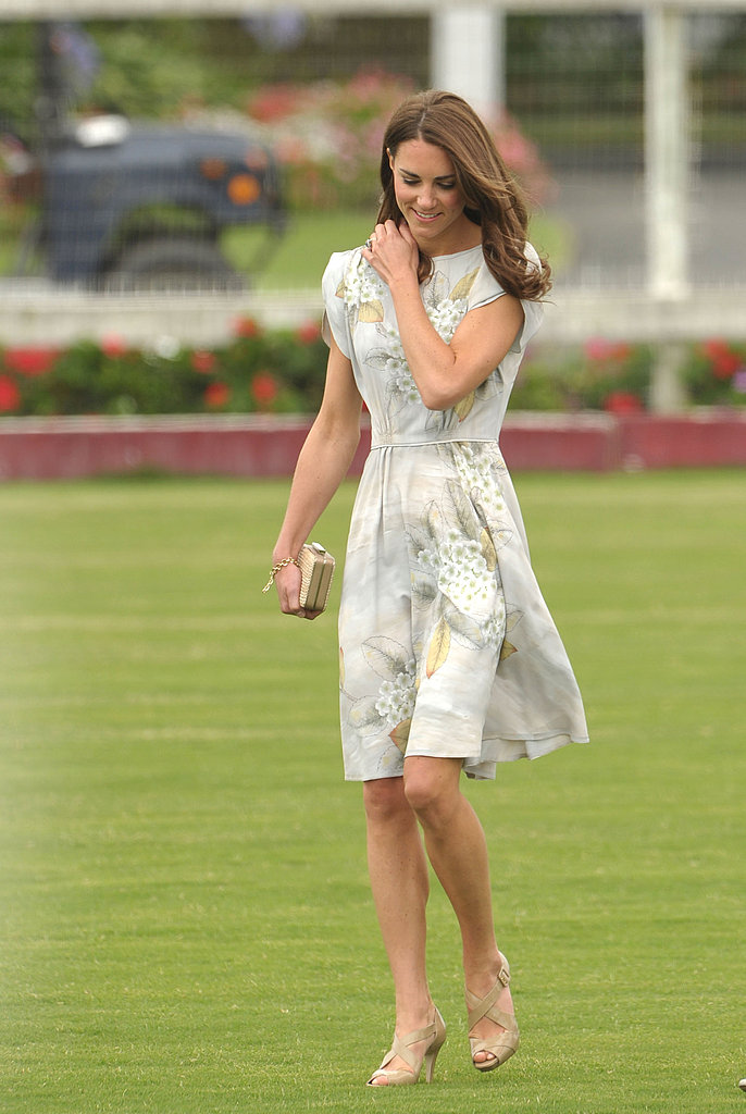 Kate Middleton once again chose nude pumps.