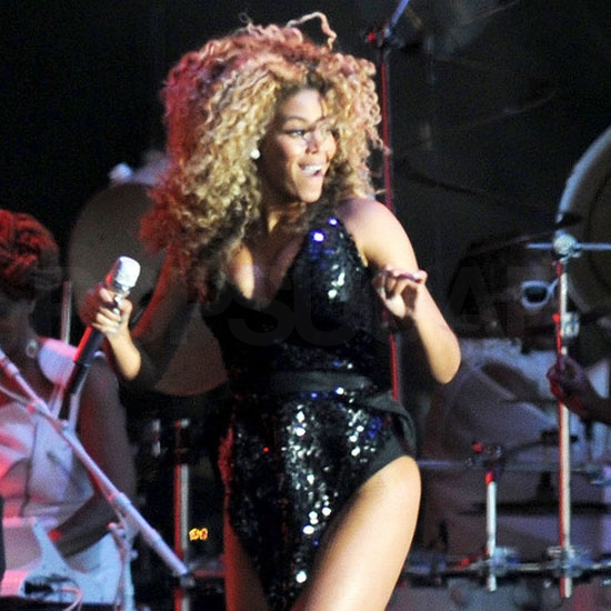 Beyoncé Knowles shaking it!