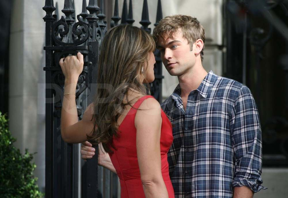 Elizabeth Hurley and Chace Crawford film Gossip Girl in NYC.