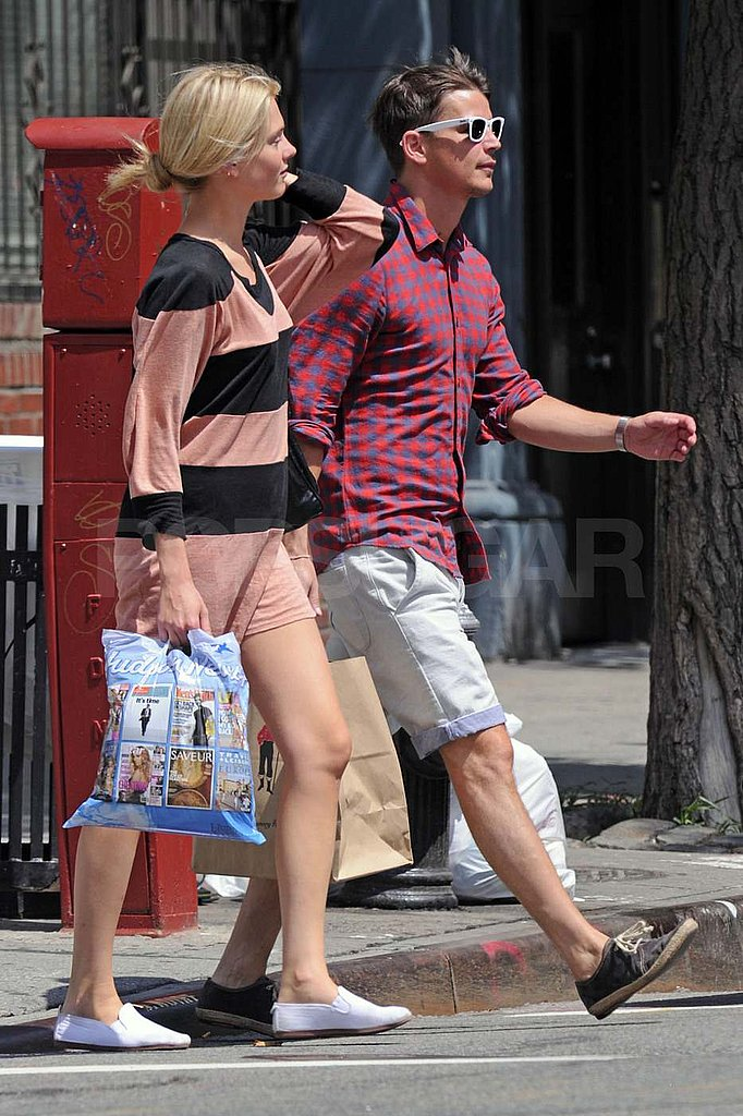 Josh Hartnett and Sophia Lie shop in NYC.