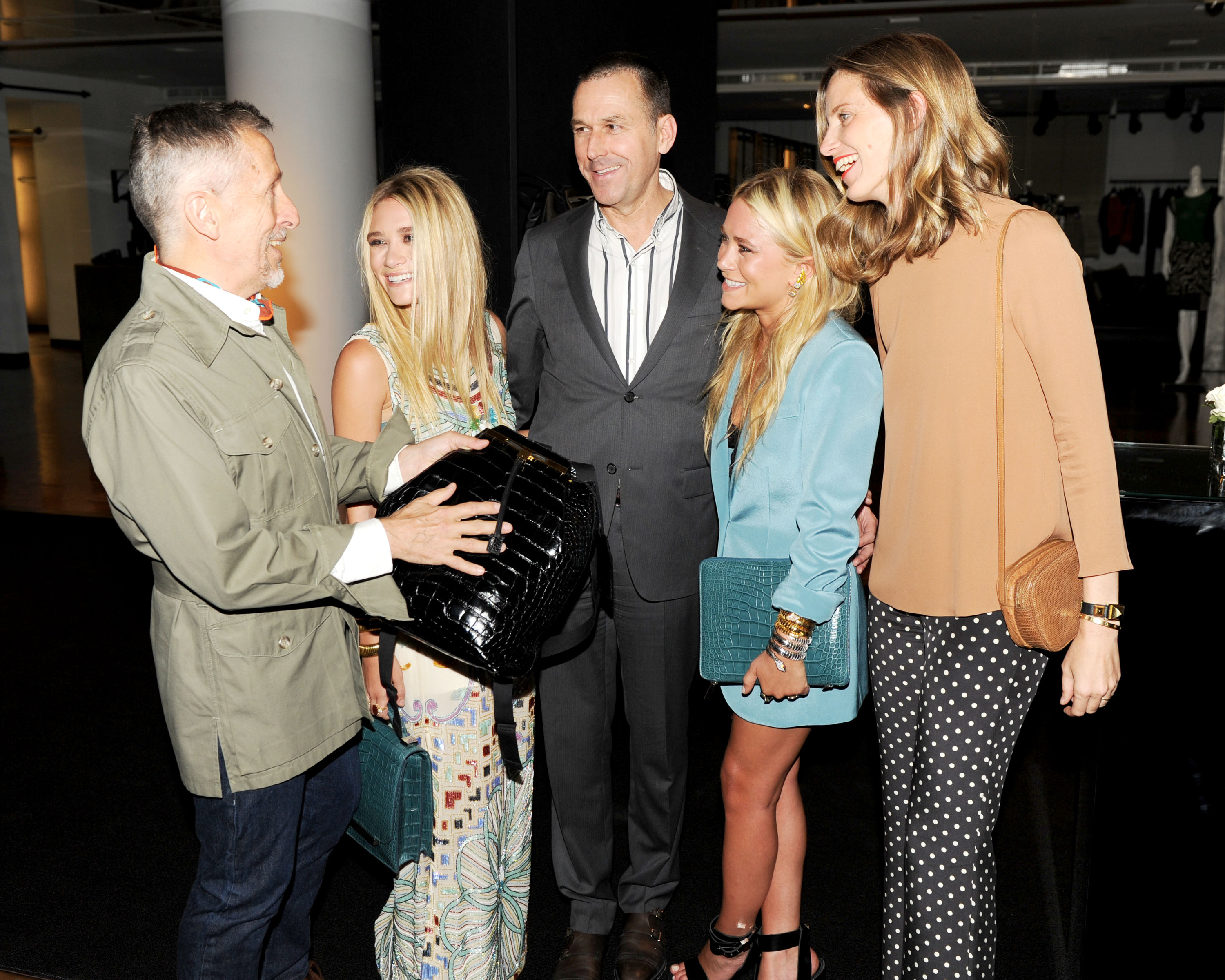 Simon Doonan, Ashley Olsen, Mark Lee, Mary-Kate Olsen, and Amanda Brooks together at Barneys for The Row's handbags.