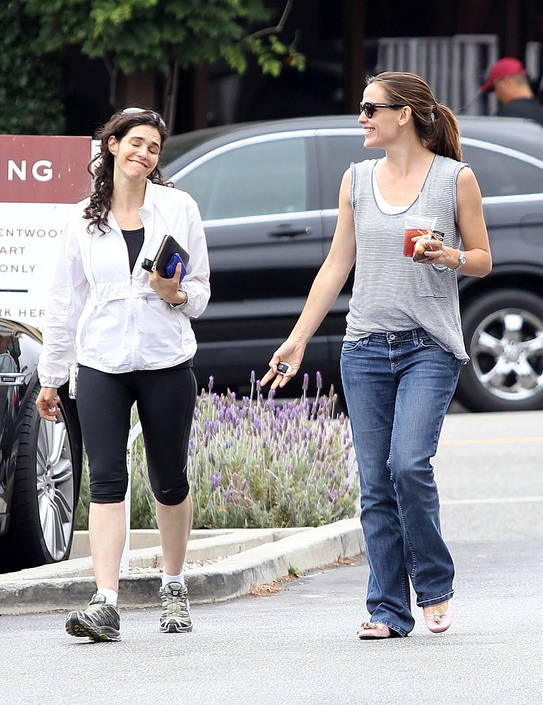 Jennifer Garner Picks Up a Cold Drink With a Big Smile and a Buddy