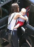 Miranda Kerr put Flynn Bloom in the car.