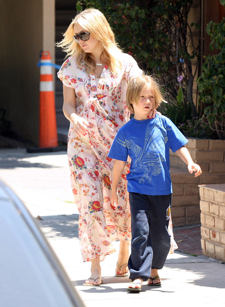 Kate Hudson with Ryder after giving birth to Bing.