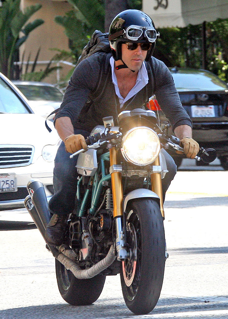 Ryan Reynolds rode his bike around LA.