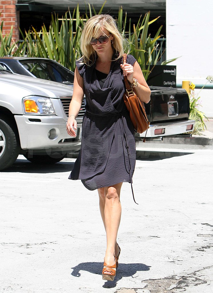 Reese Witherspoon wore a floaty dress.
