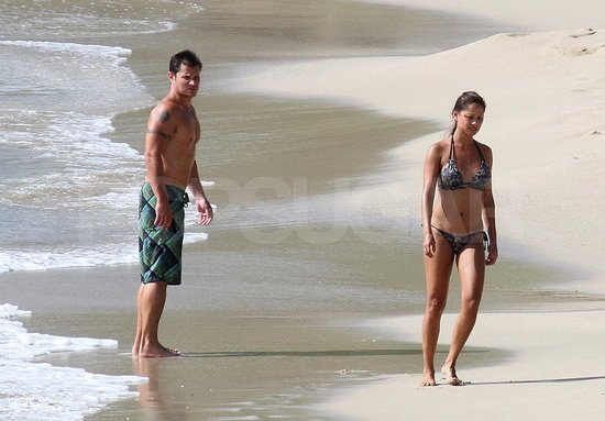 Nick Lachey and Vanessa Minnillo Get Shirtless and Bikini Sexy on Their Honeymoon