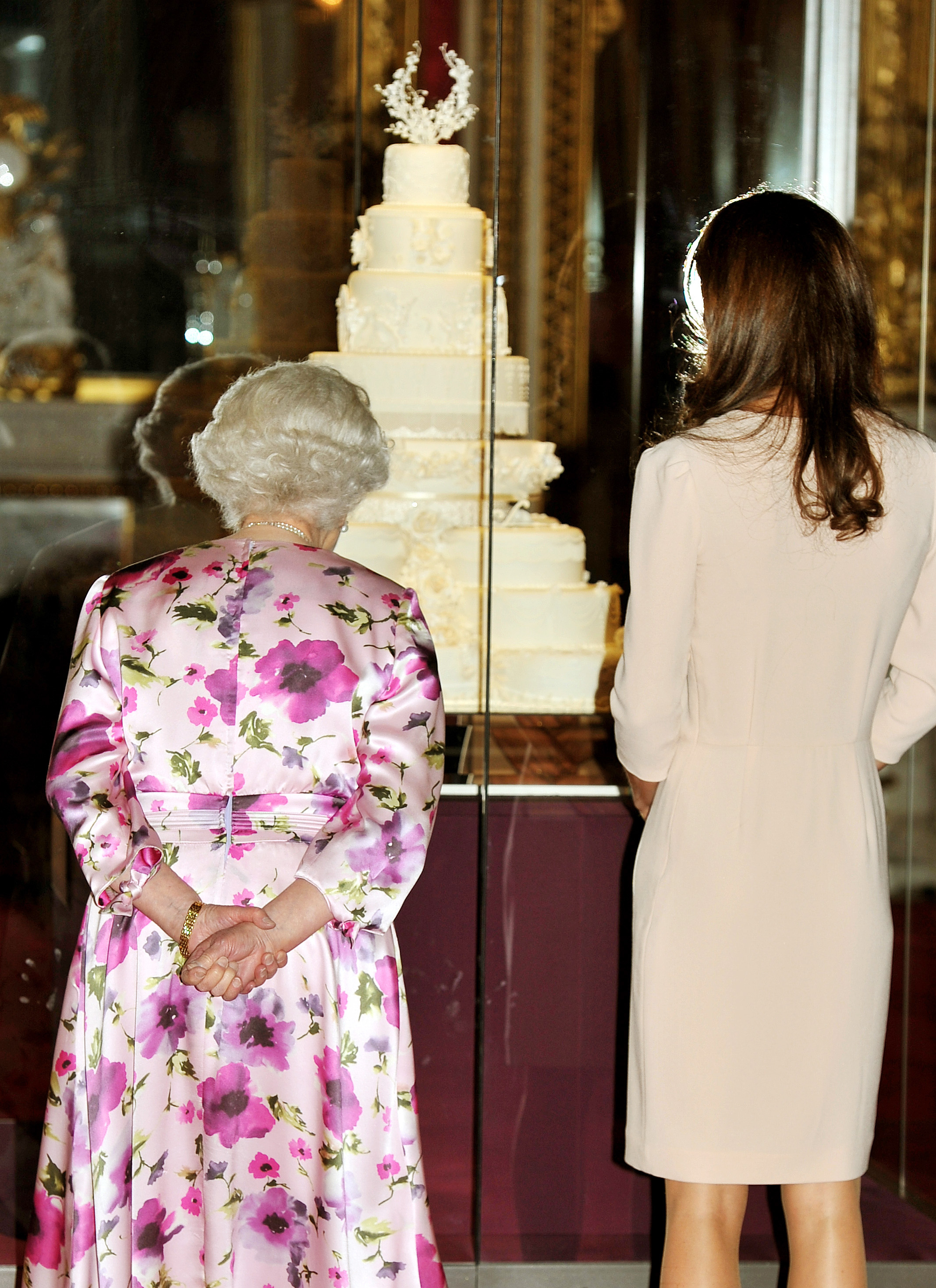 of Kate Middleton and Queen Elizabeth II Viewing