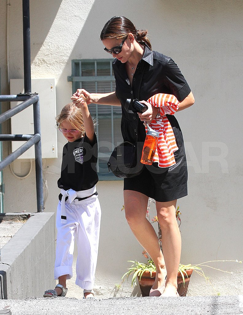 Jennifer Garner and Violet Affleck leave karate.