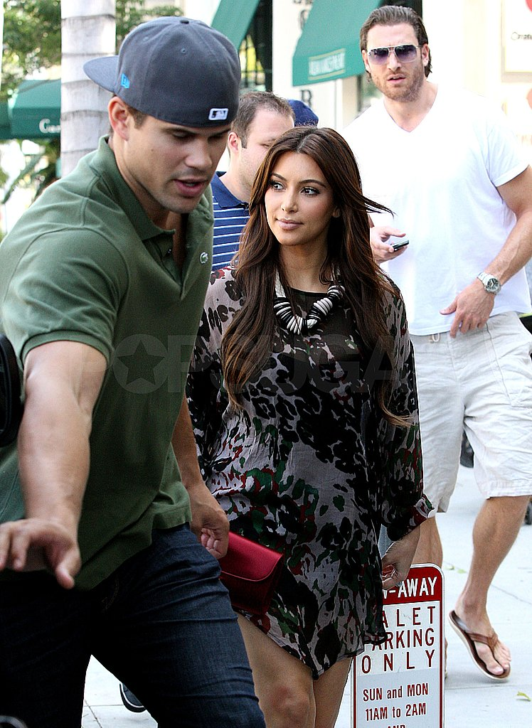 Kris Humphries politely opened the door for Kim Kardashian.