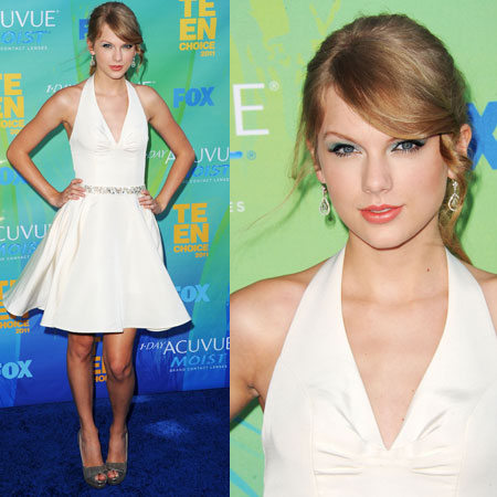 Taylor Swift at 2011 Teen Choice Awards 2011-08-07 17:30:33
