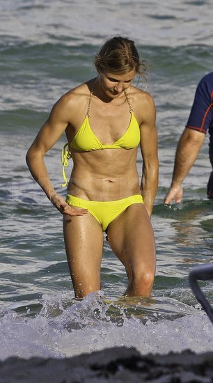 Cameron Diaz Wears a Hot Yellow Bikini For a Day on the Beach