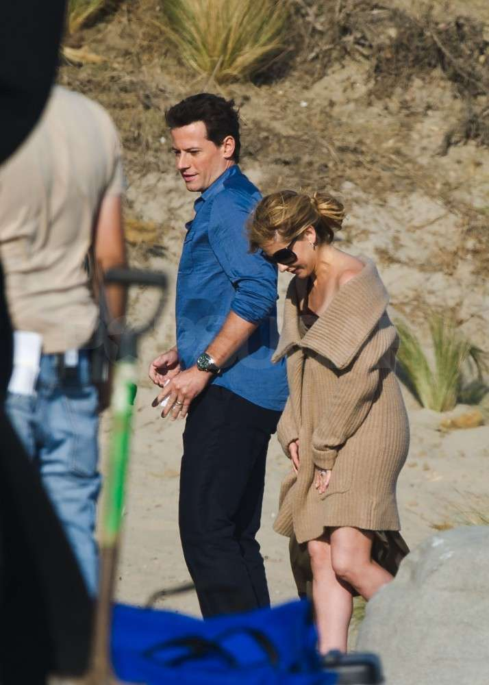 Sarah Michelle Gellar hung out with Ioan Gruffudd.