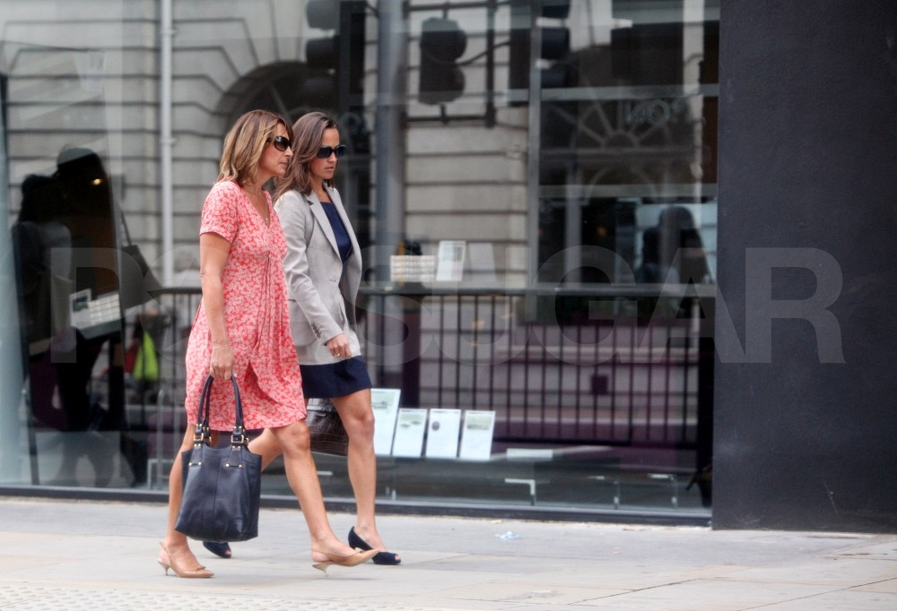 Pippa and Carole Middleton stroll London.