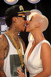 Wiz Khalifa and Amber Rose make out at the VMAs.